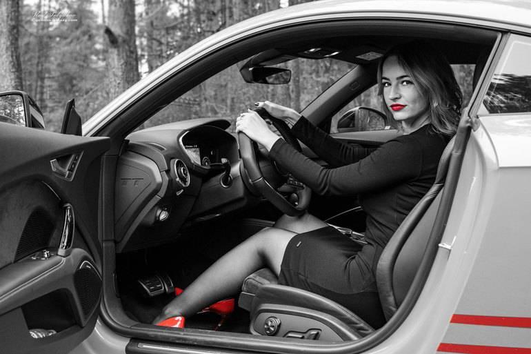 Как выбрать автомобиль для девушки