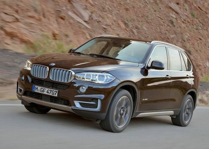 Особенности кроссовера BMW X5: большой дорожный просвет, повышенный комфортом внутри и возможность преодоления любых дорог
