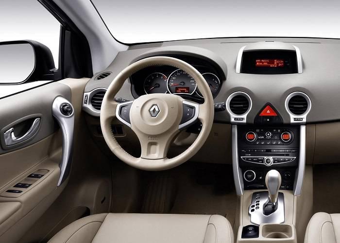 Интерьер Renault Koleos особо не изменился
