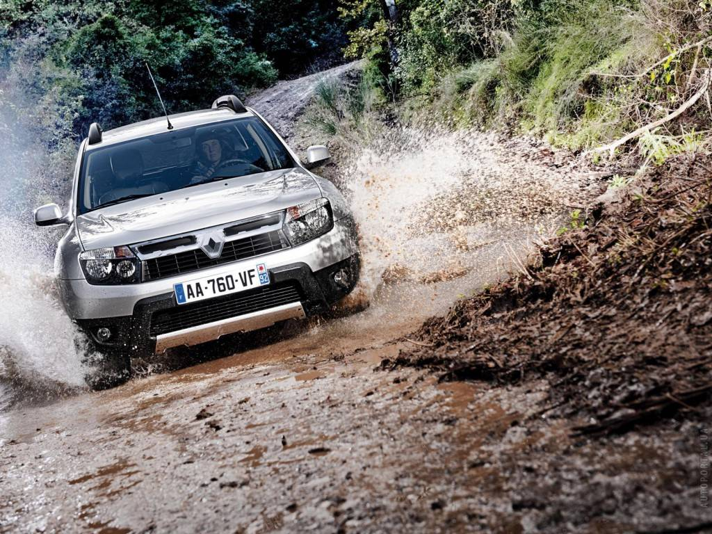 renault-duster-2010-0343431-1600x1200