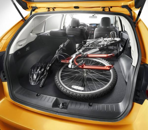 Багажник Субару Xv впечатляет размерами