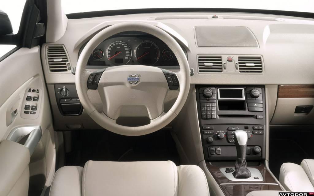Volvo-XC90-2003-1920x1200-037
