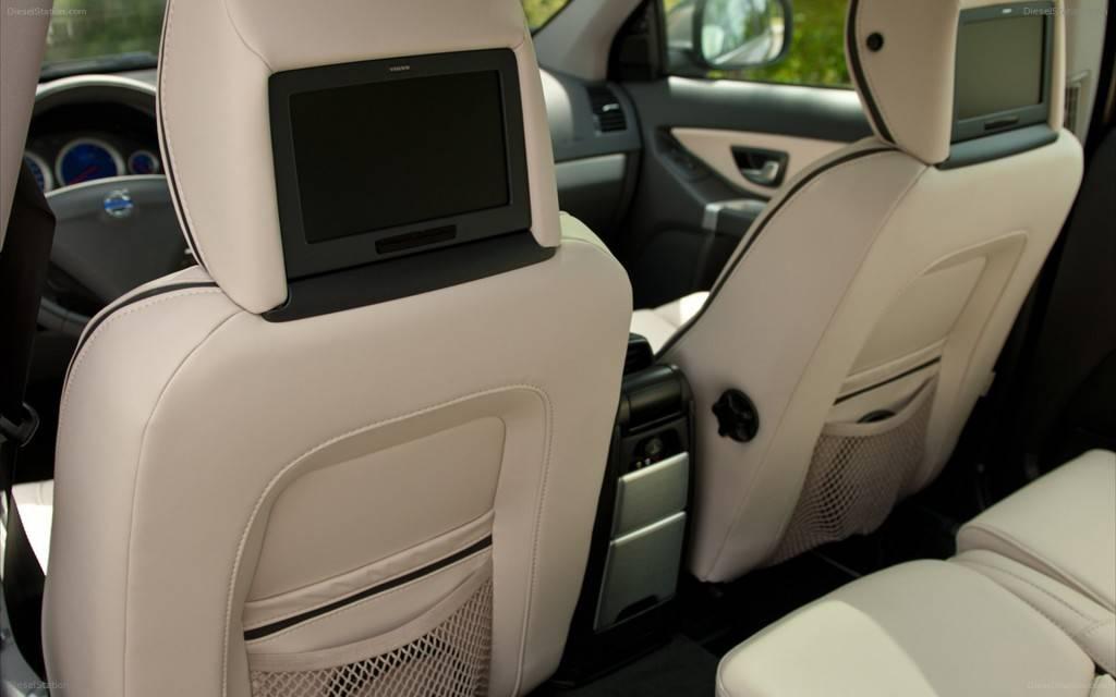 В число многочисленных опций входит установка мультимедийной системы для пассажиров