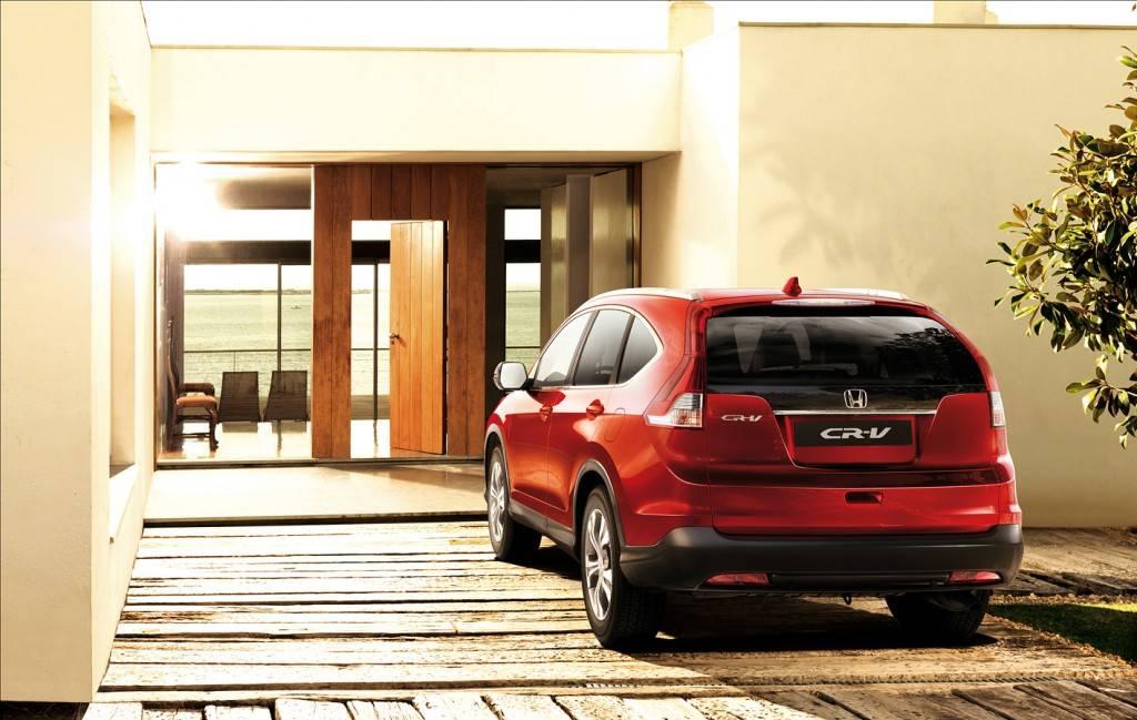 Хонда СРВ довольно привлекательна как дизайном, так и техническими характеристиками