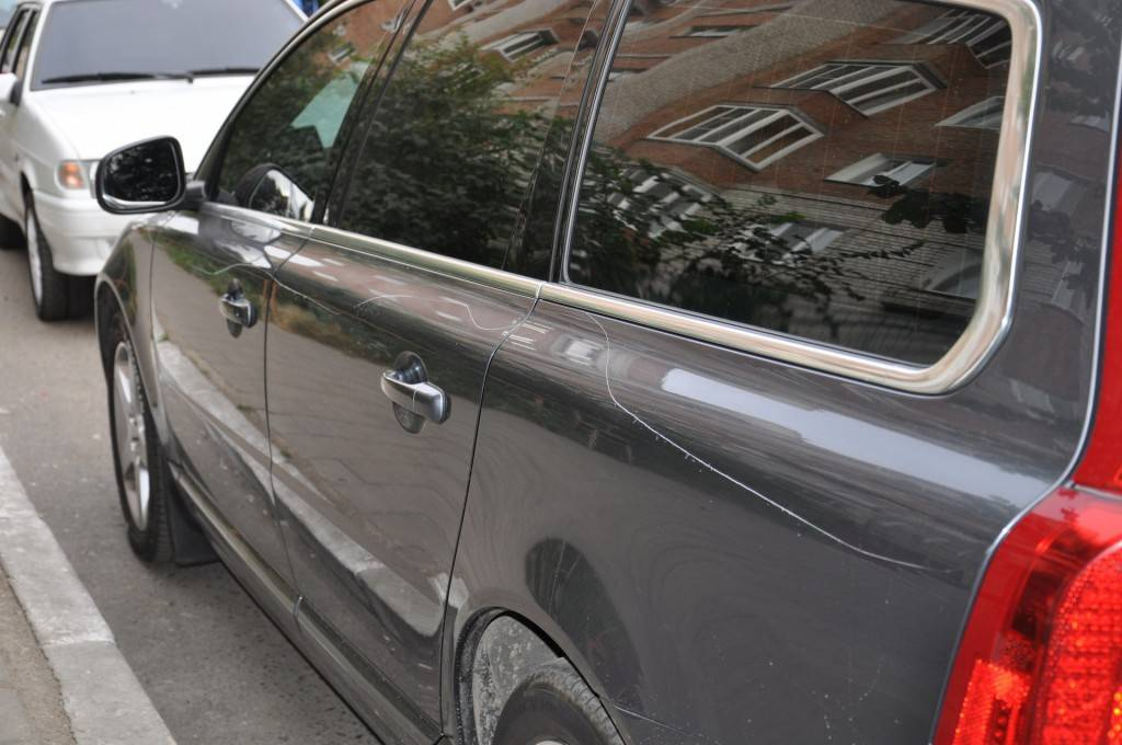 Практически все царапины на кузове можно убрать