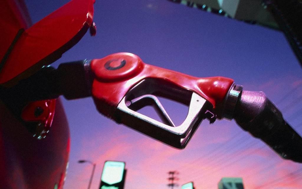 Этилированное топливо дешевле, но оно наносит больше вреда как окружающей среде, так и людям