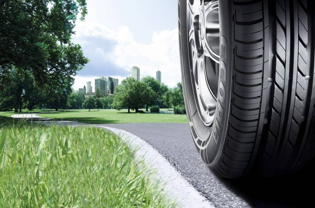 Новые шины нужно подбирать в соответствии с индексом нагрузки старых. Это отличает шины для кроссоверов от остальных шин, ведь при покупке обычной резины такая точность не требуется.
