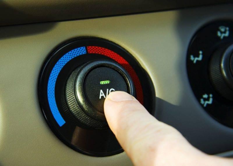 Чистка автомобильного кондиционера должна проводиться по мере появления первых симптомов.