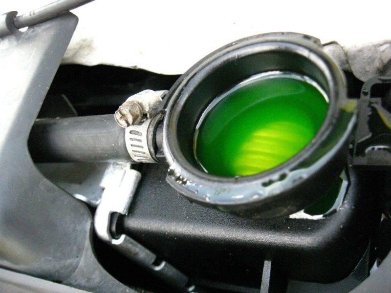 Самым лучшим на сегодняшний день является глицериновый антифриз. Вместо этиленгликоля в нем использован глицерин. Такой вариант используется для дорогостоящих автомобилей.