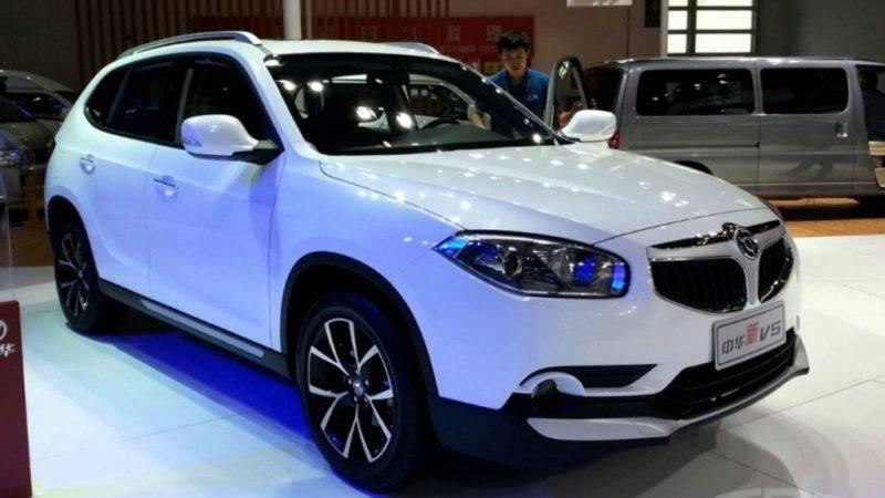 Над дизайном обновленного автомобиля работала итальянская компания, он получился современным, динамичным и стильным.