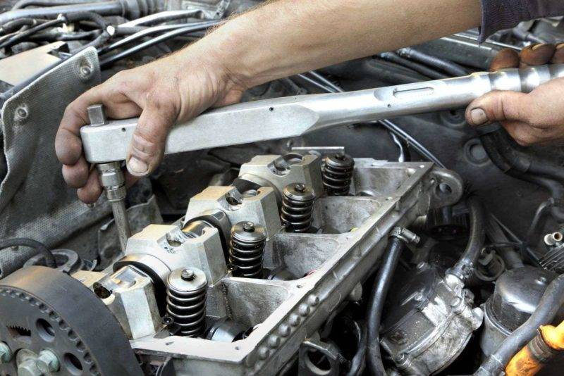 Процесс ремонта двигателя является «ювелирной» работой, так как двигатель является сложным агрегатом, имеющим большое количество подвижны деталей.