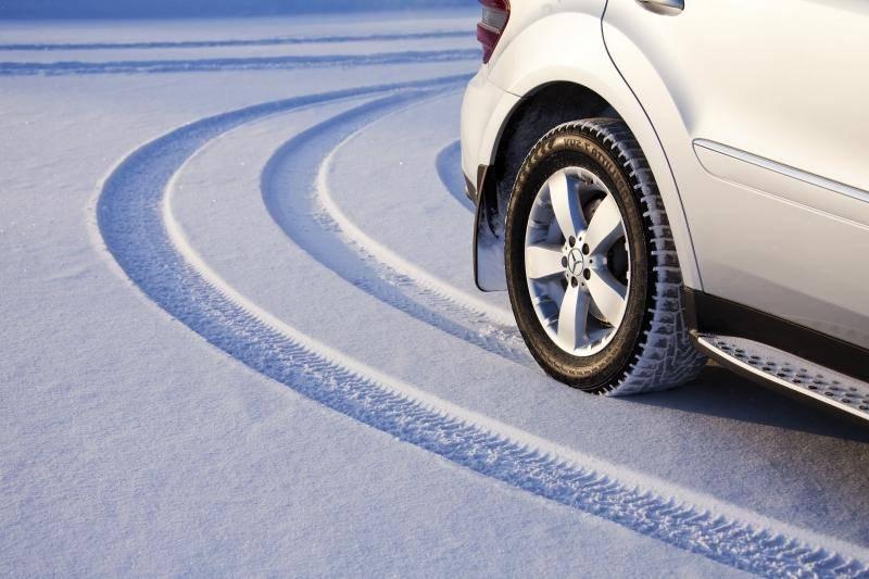 Насколько известно, существует два больших вида зимних шин – шипованные и нешипованные.