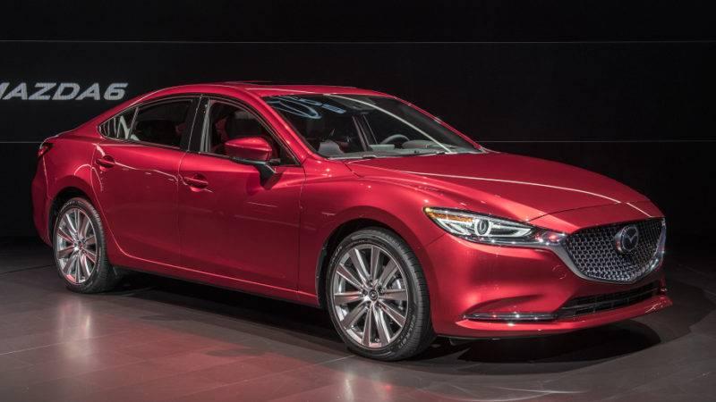 Во время проведения автосалона в Лос-Анджелесе компания Mazda озвучила примерные даты поступления в продажу иномарки.