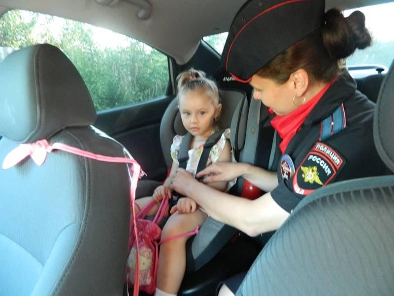 Дошкольников в детском автокресле можно посадить и на переднее, и на задние места.