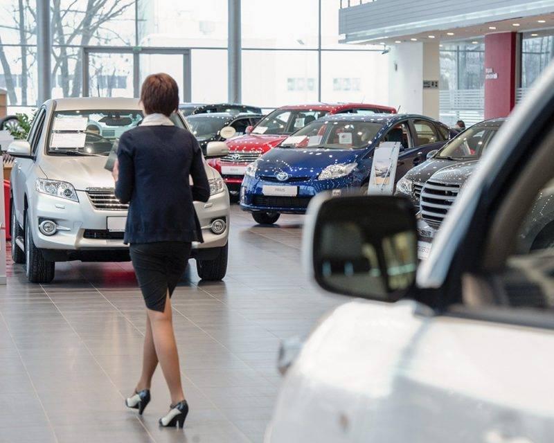 При этом абсолютно неважно, было ли авто взято в кредит: более того, в этом случае вы имеете право требовать и сумму процентов по кредиту в возмещение.