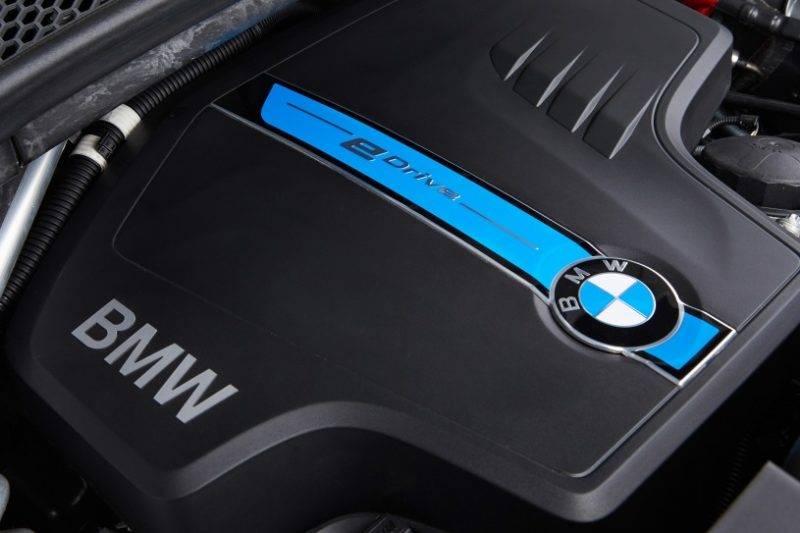 Хотя BMW всегда предлагал восьми цилиндровый вариант для X5, последний V8 переработан с обновлениями.