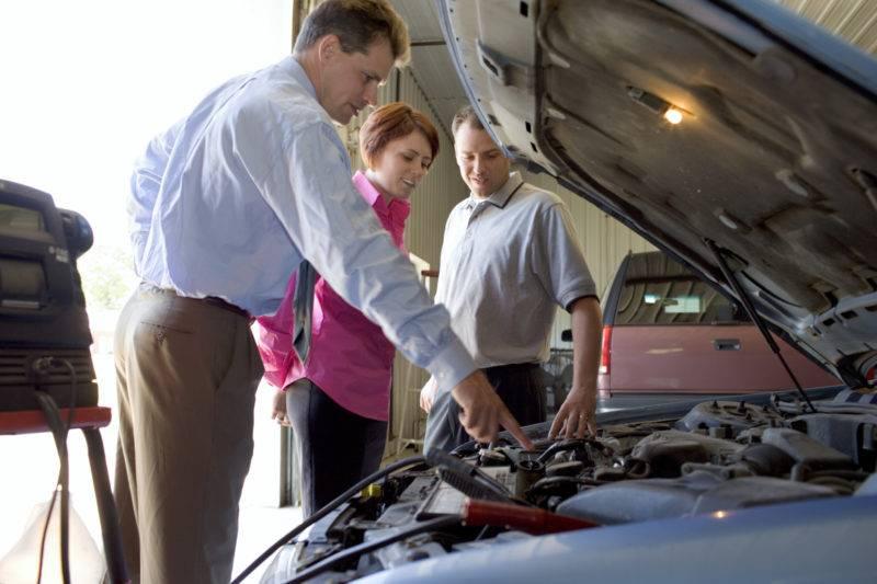 В любом случае после осмотра автомобиля клиенту скажут, может ли он рассчитывать на бесплатный ремонт.