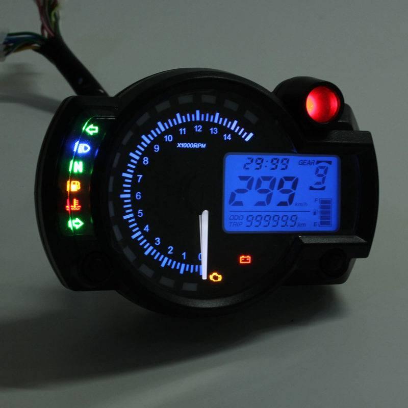 В сравнении с традиционными серийными моделями, электронные тахометры обладают лучшей точностью, а также оповещают водителя о необходимости переключиться на повышенную передачу.