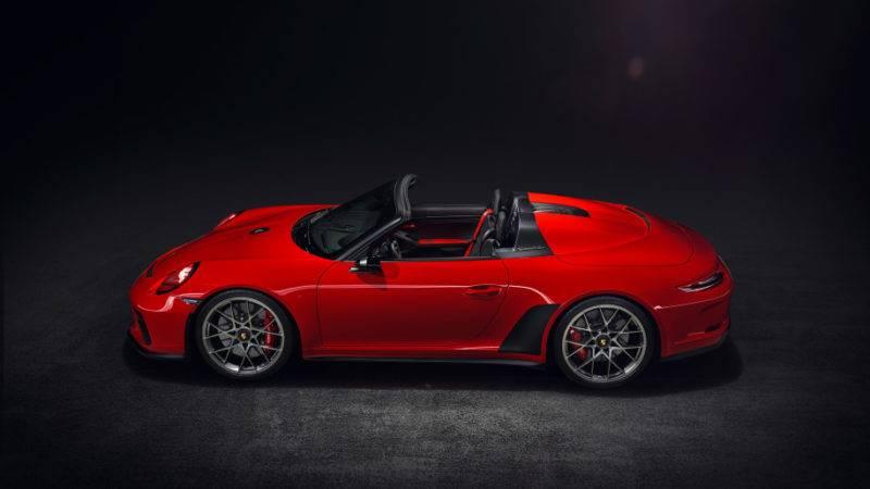 Новый Speedster строится на базе 911 Carrera 4 Cabriolet.