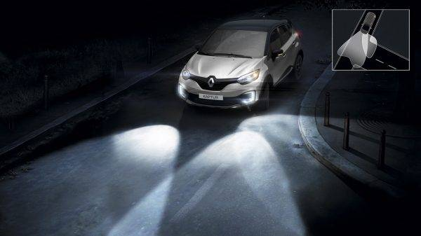 Кстати: в Каптюр предусмотрена дополнительная подсветка поворотов.