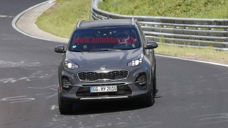 Новая Kia Sportage во время тестирования.