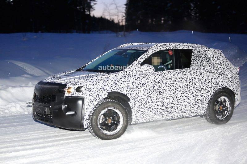 Шпионские фото нового поколения Opel Mokka.