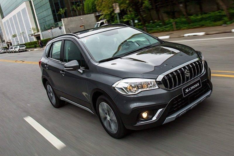 Suzuki SX4 не просто так схож внешне с Витарой.