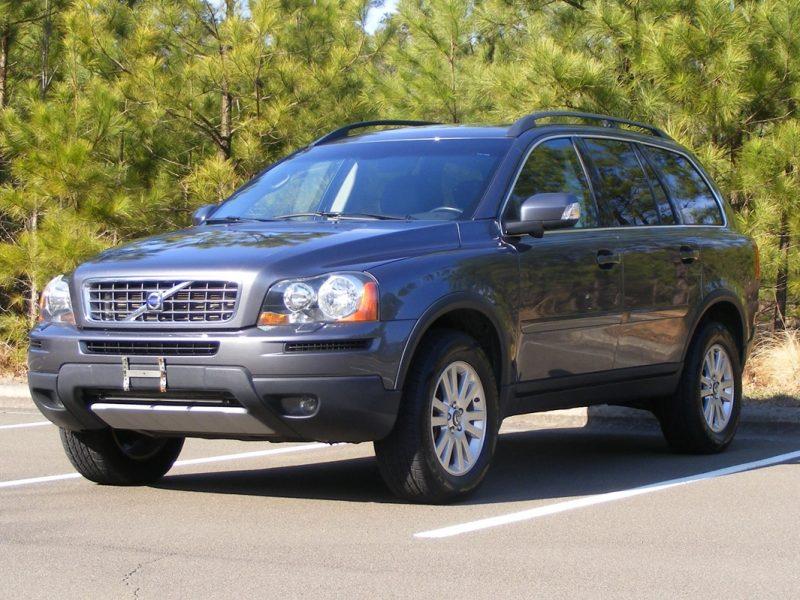 Volvo XC90 2008 года.