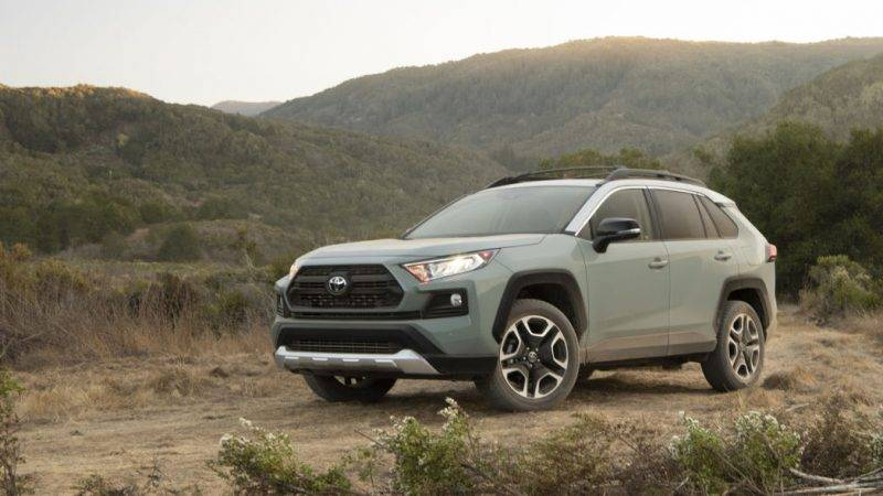 Toyota RAV4 Adventure 2019 года.