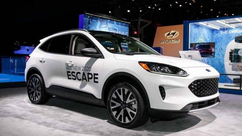 Работая над обновлением Escape, Форд практически не оставили от прошлой модели камня на камне.