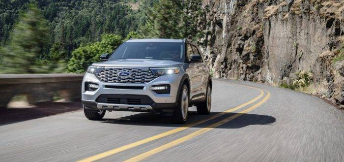 Ford Explorer 2020 года.