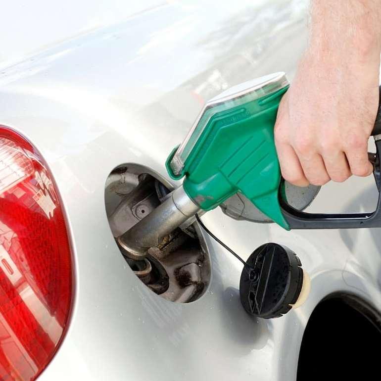 Рекомендации по заправки автомобиля бензином