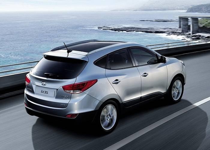 Hyundai ix35 - довольно популярная модель кроссовера, поэтому не заставляет труда найти большое количество отзывов о данном автомобиле