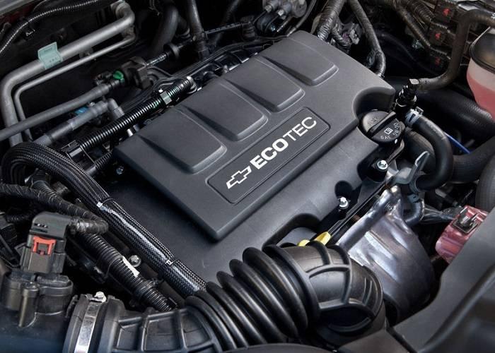 Двигатель в кроссовере Chevrolet Tracker представлен в четырех видах