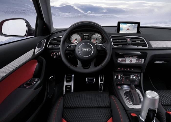 Кроссовер Audi Q3 имеет удобную и многофункциональную панель приборов