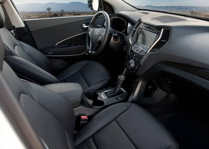 Интерьер Hyundai Santa Fe сделан на высоком уровне и со вкусом