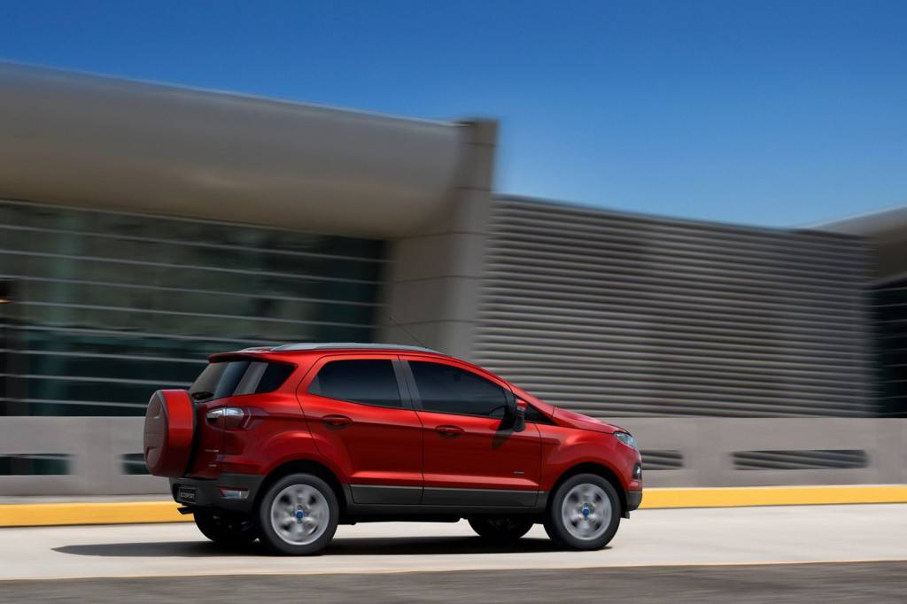 2013-Ford-EcoSport-Small-SUV-33[2]