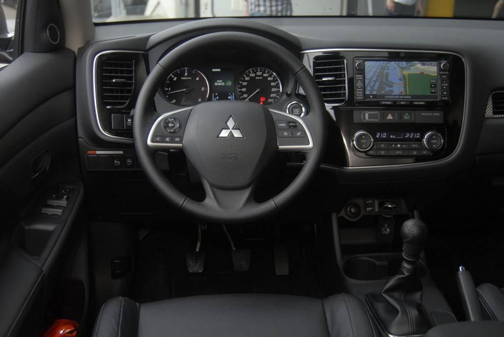 Mitsubishi Outlander 2013 07