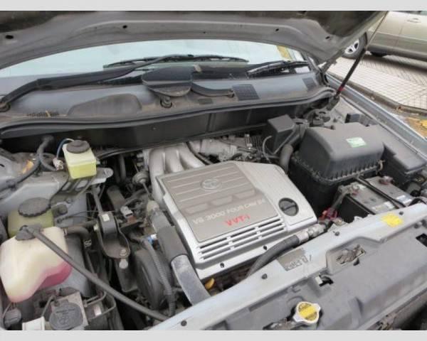 Двигатели Тойота Харриер претерпевают изменения из поколения в поколение