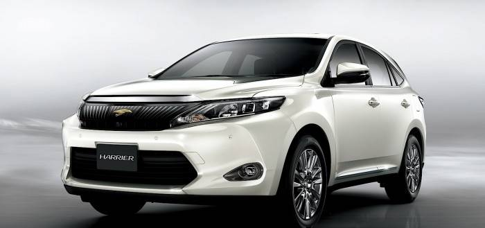Тойота Харриер внешне очень похожа на японский же Лексус