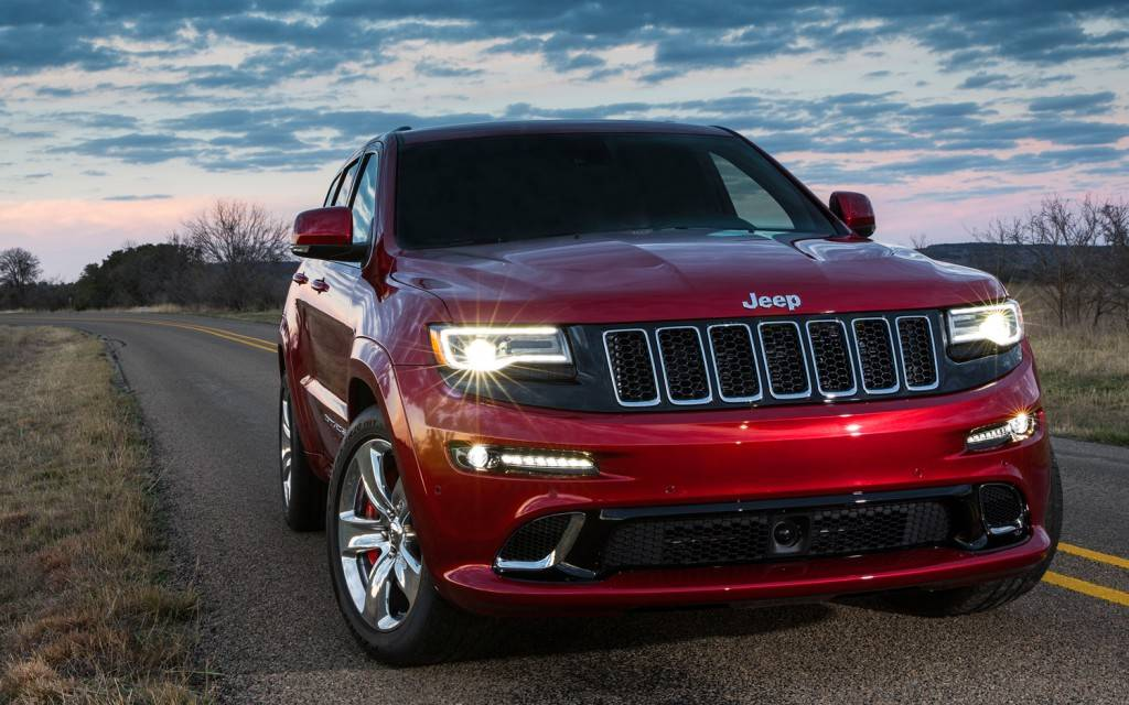 2014-jeep-grand-cherokee-srt-front-view-1