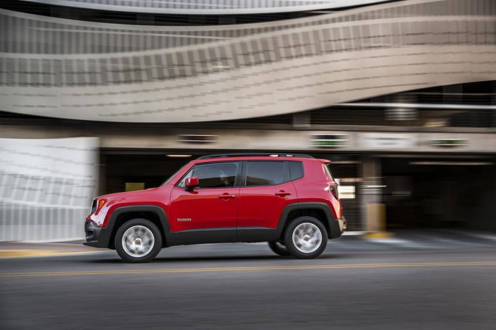 Jeep-Renegade-2014-sboky