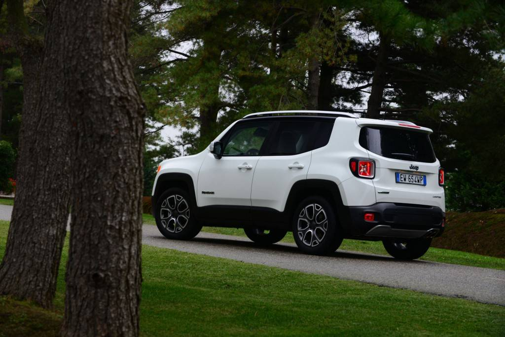 Jeep Renegade 2015 02