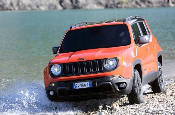 Jeep Renegade 2015 06-610x400