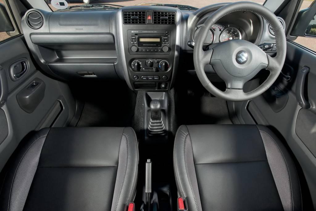 2013-Suzuki-Jimny-53