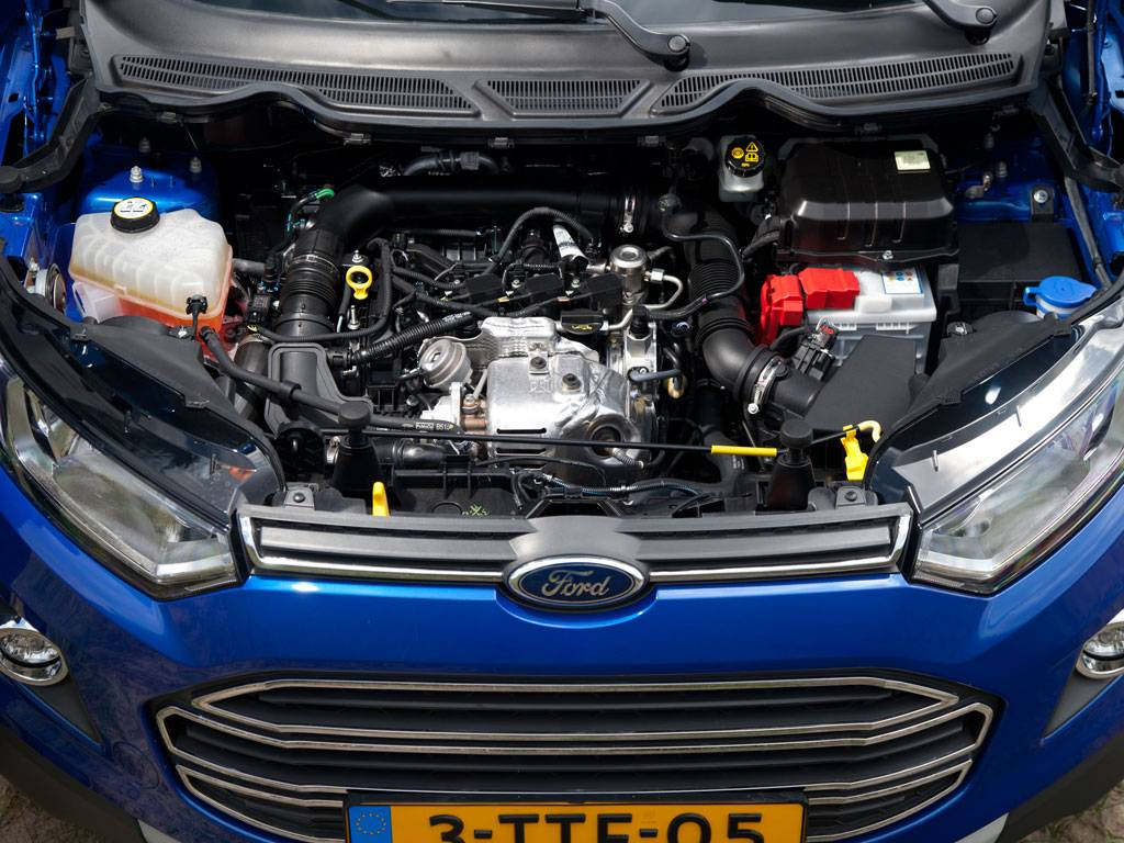 111198-first-drive-2015-ford-ecosport-by-dutch-fia-champ-henny.3-lg