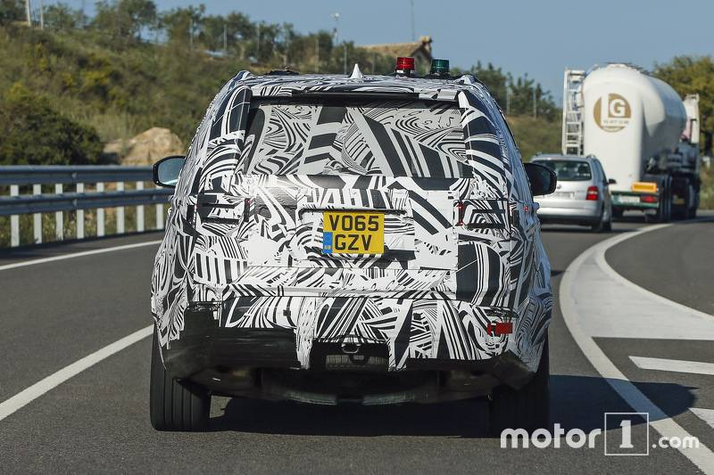 2017-land-rover-discovery-spy-photo