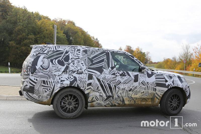 2017-land-rover-discovery-spy-photo4