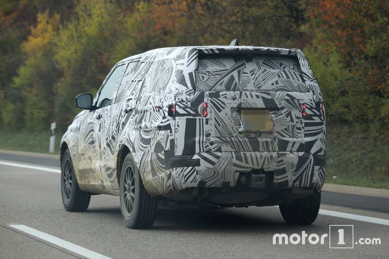 2017-land-rover-discovery-spy-photo5