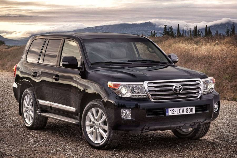 2013-Toyota-Land-Cruiser-outdoor-profile